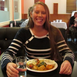 Wa Caroline eating curry